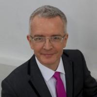 dr Dariusz Świerk